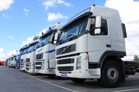 Is The Truck Driver or Trucking Company Responsible for My Truck Wreck Claim?