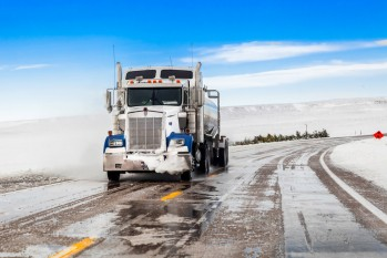 Tips Truck Drivers Should Use to Safely Share the Road with Passenger Vehicles