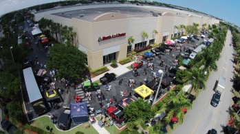 Huge Jeep Party At South Florida's Morris 4×4 Center Helps Kids In Need