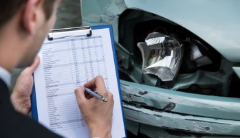 New York Car Accident Lawyer Resource Advises Victims Against Working One on One