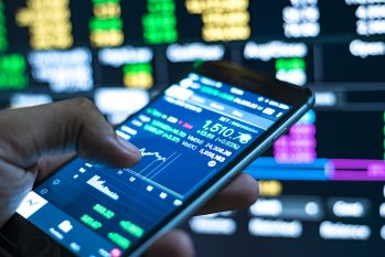 What Are the 5 Best Tech Stocks and Long Term Investments?